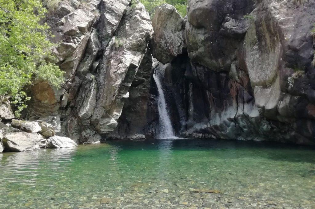 fiume urbe cascata