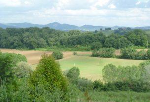 Vendesi casa colonica nelle colline tra Umbria e Toscana
