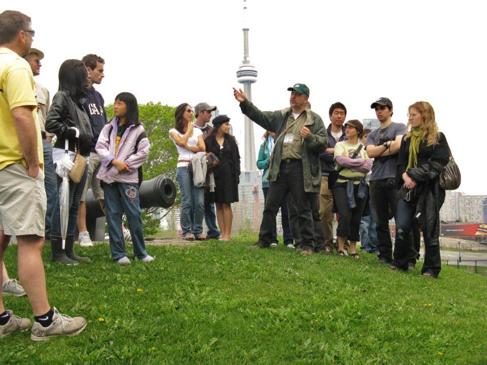 jane walk venaria reale passeggiate gratuite organizzate cittadini 1493366015