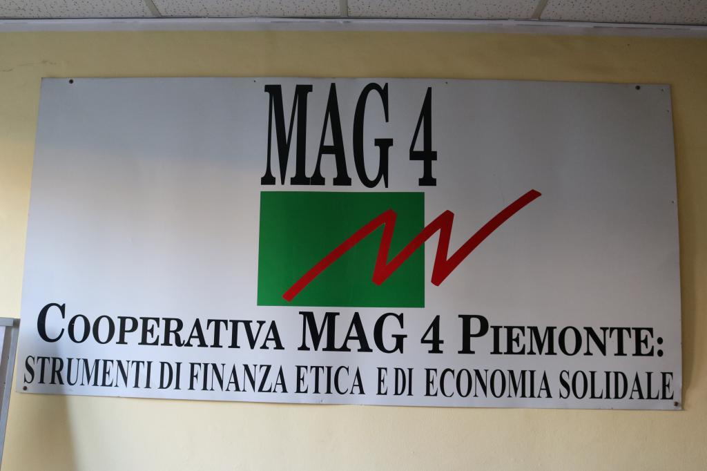 mag4 economia centro uomo profitto 1491904237